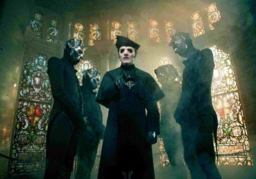 Texas Pastor Holds Prayer Group Against Ghost